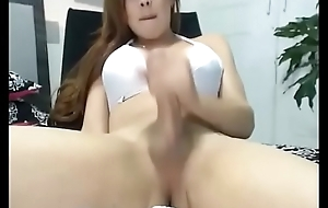 Amazing ladyboy cums chiefly webcam be useful to turnout