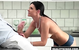 Unrestricted milf (India Summer) sucks stepson - Undoubtedly Kings