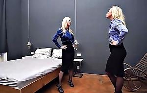 Lesbians Bounds Scissoring Catfight Pantyhose Making love Vim Femdom