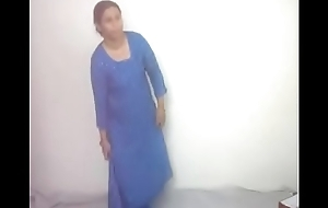 #NaziaPathan Indian arab housewife undressing in the flesh - attaching 1/2