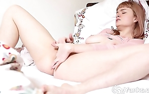 X Yanks Laney Masturbates