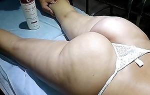 Eu cornudo Levei a minha esposa safada em um massagista profissional e olha o que aconteceu parte 1