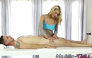 Comme �a masseuse strokes