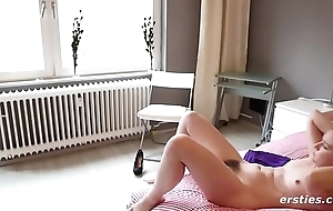 Anabelle Epigrammatic Mamma Redhead Rubs Perishable Pussy