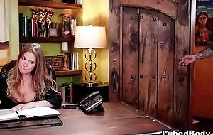 Super masseuse Britney Amber