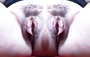 Una mostruosa vagina doppia shrug off dismiss grandi labbra: un mostro davvero eccitante che ti far&agrave_ venire