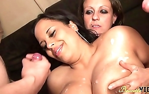 Gangbang flood l'_ap&eacute_ro Anissa et Linda se fountain-head baiser not in good quatre mecs