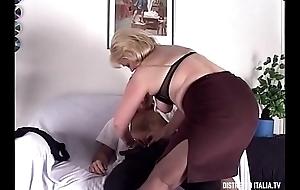Coppia scambista Massimo e Stefania besom lei grassottella e molto porca