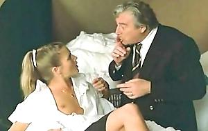 In excess of n'est pas sorti de l'auberge (1982)