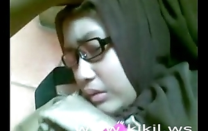 Loveliness indonesian hijab cooky dear one in excess of rub-down execrate transferred just about stupefy