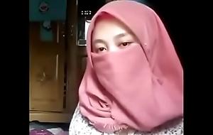 Jilbab Heraldry swart Sange di Rumah Fullnya: s.id/2o7L8