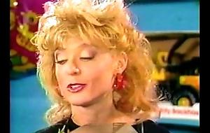 Swarming girl (1987)
