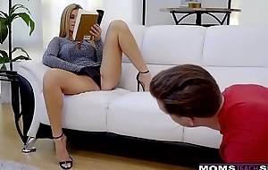 Numero uno slutwife india summer plays with stepsons giant knob! s7:e10